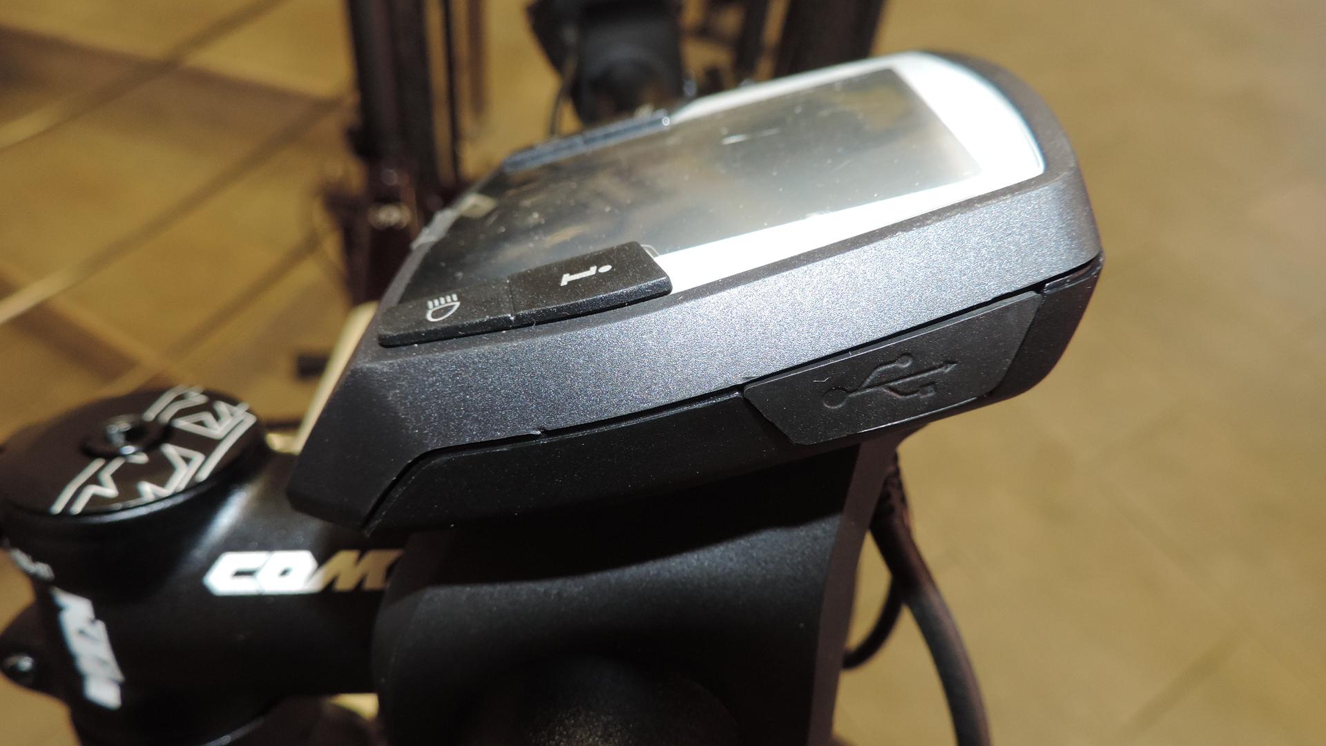 Sportello USB per ricarica telefonico o navigatore e diagnostica