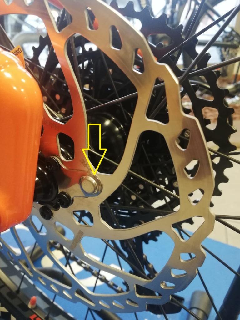 il magnete del sensore di velocità è posizionato sul disco