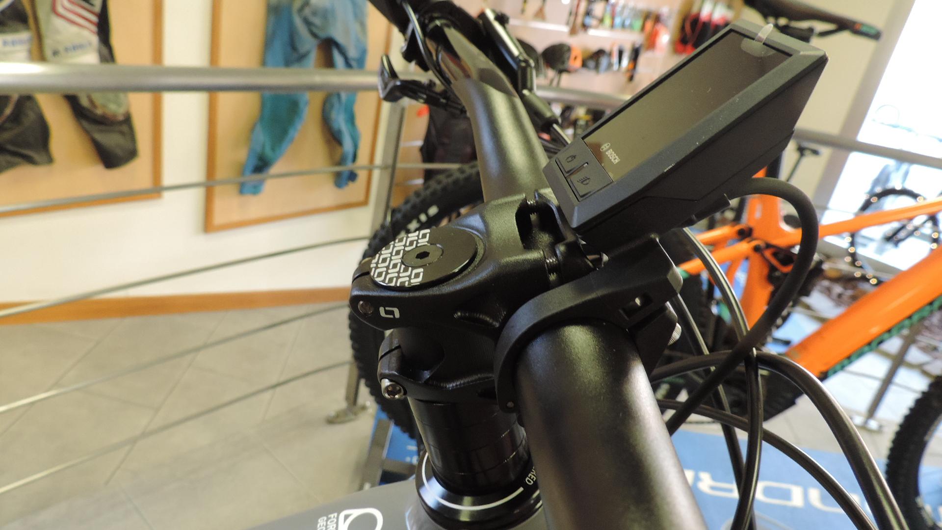 Pipa inesistente sulla ebike mondraker craafty R