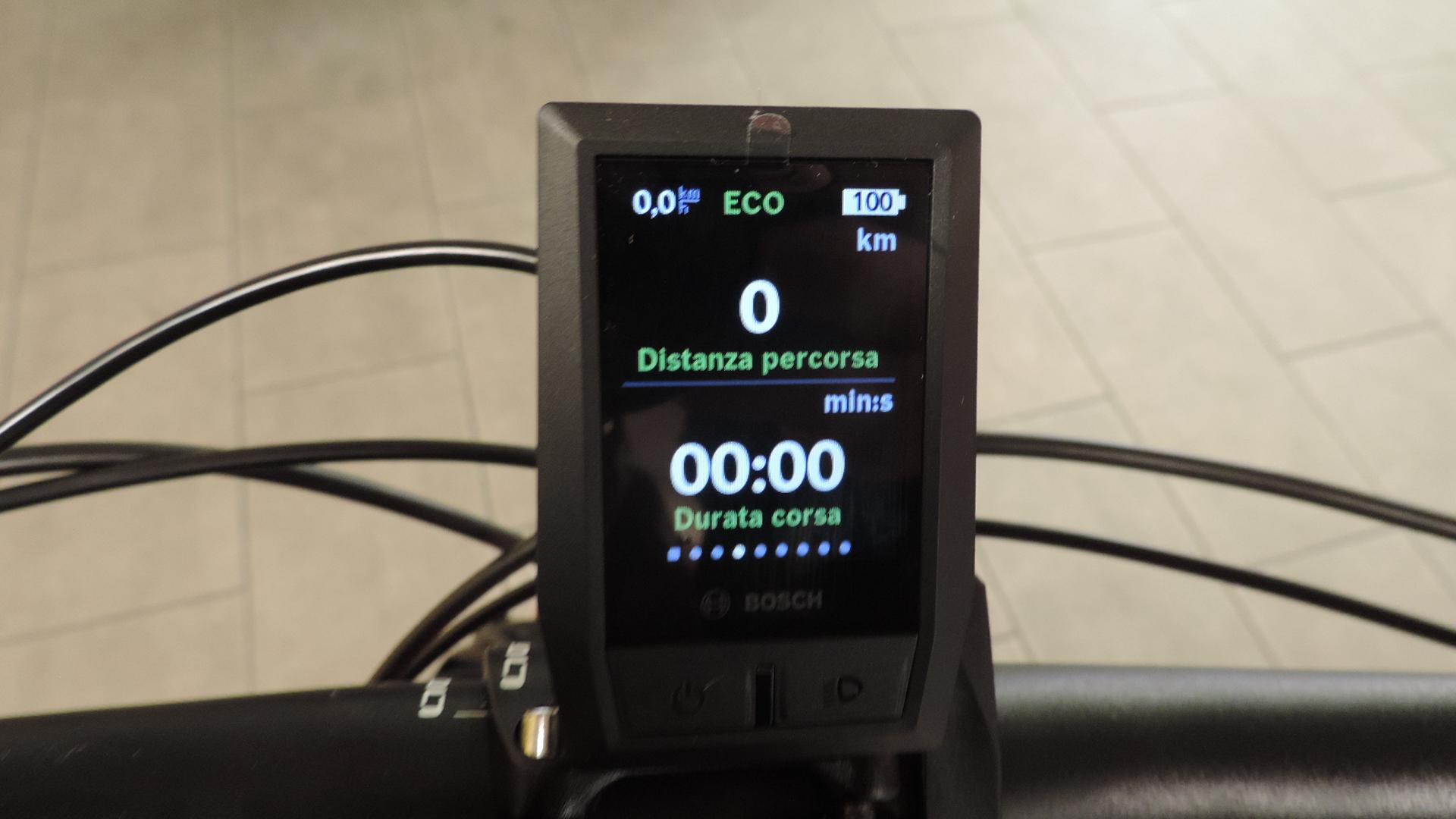quarta schermata con la distanza percorsa e il tempo di pedalata (ingrandisci)