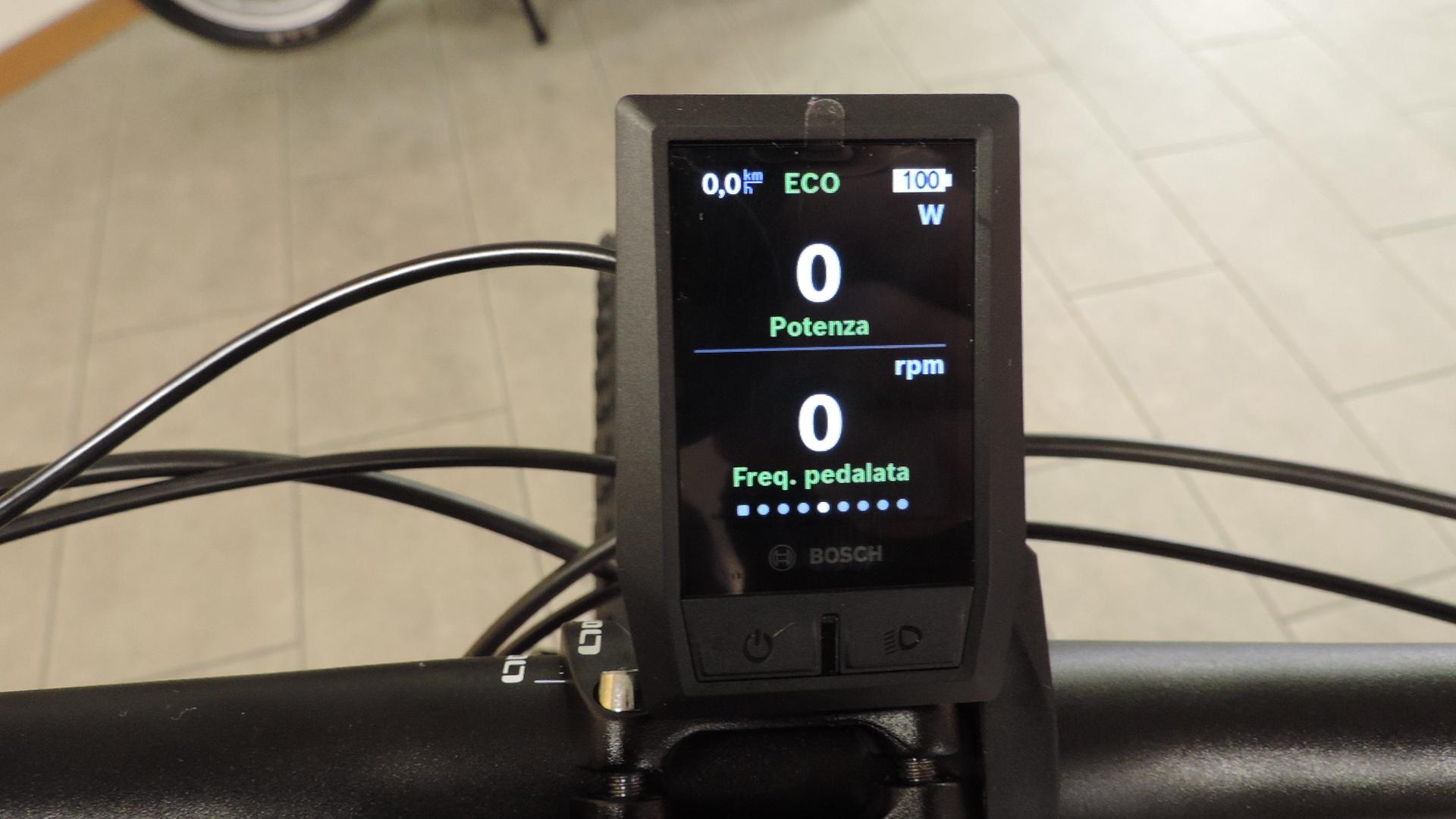 quinta schermata del ciclocomputer Kyox Bosch riguarda la potenza e la frequenza di pedalata/cadenza