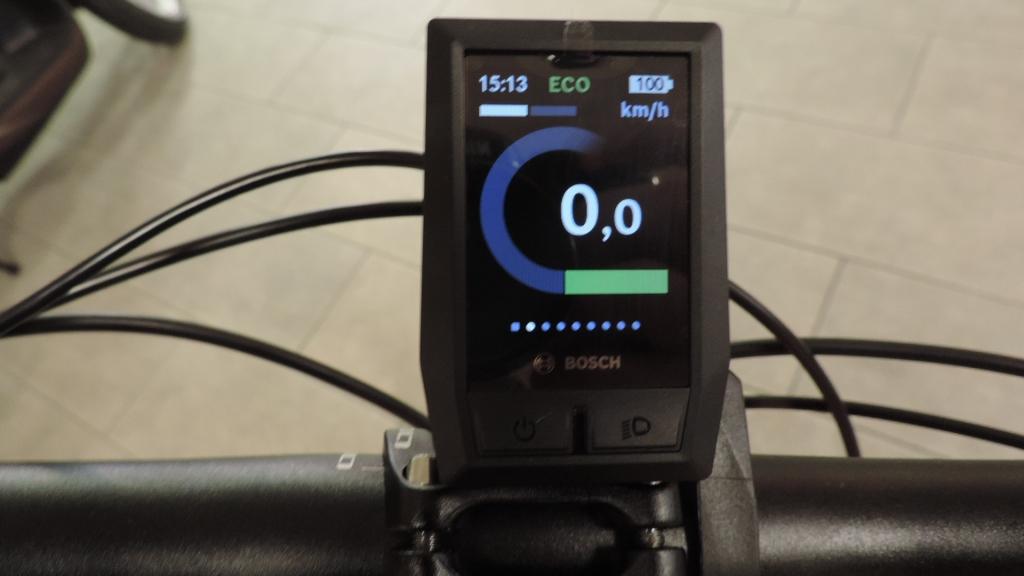 la schermata dell'assistenza ECO è verde per indicare un basso conumo di batteria del computer Kyox di Bosch
