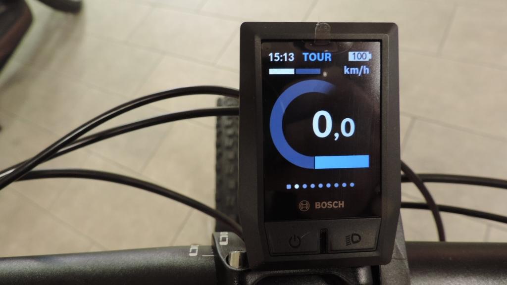 Assistenza Tour evidenziata con colore azzurro su computer Kyox della Bosch